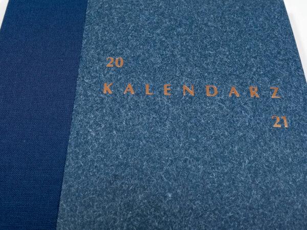 Kalendarz 2021 - niebieski tłoczenie